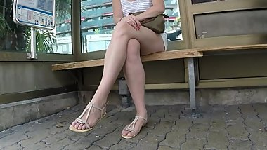 BEST 2018 SEXY TEEN MILF LEGS CROSSED TOES AMATEUR VOYEUR CANDID FEET 88