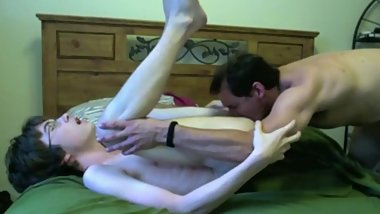 18 yo twink fucked for first time by a daddy